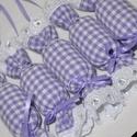 Textil szaloncukor lila / fehér kockás, Dekoráció, Karácsonyi, adventi apróságok, Karácsonyfadísz, Karácsonyi dekoráció, Lila/fehér kockás textilből készült, madeira csipkével díszített, vatelinnel bélelt szaloncukrok, se..., Meska