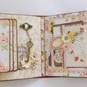 """"""" Virágos álmok"""" - egyedi, kézműves interaktív scrapbook album a virág szerelmeseinek, """" Ki a virágot szereti, rossz ember nem lehet"""". J..."""