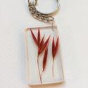 Rozsdavörös - kulcstartó, Mindenmás, Kulcstartó, Műgyantából készítettem ezt a kulcstartót. Átlátszó, fényes alap, rozsda színű zab ékeskedik benne. ..., Meska