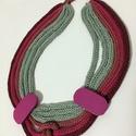 Tricotin, Ékszer, Nyaklánc, Pamutfonalból készítettem franciakötéssel és fadíszítéssel ezt a vakmerő nyakláncot., Meska