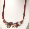 Vintage nyaklánc, Ékszer, Nyaklánc, A textil mintájához illő színű teklák fűződtek nyaklánccá. 55 cm hosszú, Meska