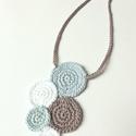 Téli álom, Ékszer, Nyaklánc, Pamutfonalból készült nyakdísz, 60 cm a teljes hossz., Meska