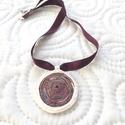 Tekercs, Ékszer, Nyaklánc, Ékszergyurma medál szaténselyem nyakrészen.  56 cm, Meska