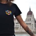 Rubik kocka mintás hímzett póló, Ruha, divat, cipő, Női ruha, Felsőrész, póló, Hímzés, A rubik kocka a leghíresebb magyar logikai játék. Akár csak az élet, ez is bonyolult, de mindig van..., Meska