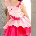 Pink ruha virágokkal díszítve 104-110 méretben, Ruha, divat, cipő, Esküvői ruha, Gyerekruha, Gyerek (4-10 év), Varrás, A nyár slágerszíne a rózsakvarc, melyhez egy csöppnyi cikláment adva a modell élénk, sugárzó megjel..., Meska