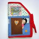 almaszüret játszóházikó, Játék, Baba, babaház, Társasjáték, Logikai játék, Baba-és bábkészítés, Varrás,  Kedves kis hordozható házikó játszókönyv hozzá való babával.  A kislány ki tud kukucskálni az ajtó..., Meska