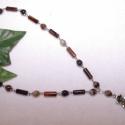 Egy finom kávé a virágoskertben - Tibeti ezüst nyaklánc gyógyító achát kövekkel, Ékszer, Ékszerszett, Nyaklánc, Karkötő, Ékszerkészítés, Gyöngyfűzés, Ezt a szettet egy csésze finom kávé ihlette meg. Szép kidolgozású tibeti ezüst szirom, és virág for..., Meska