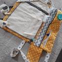 Pelenkázó táska, Baba-mama-gyerek, Táska, Baba-mama kellék, Válltáska, oldaltáska, Varrás, Szuper kompakt pelenkázó táska.  70x70 cm-es kinyitott állapotban. Vatelinnel béleltem, hogy a pele..., Meska