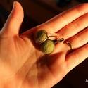 Olivazöld nemez fülbevaló, Ékszer, Fülbevaló, Nyaklánc, Ékszerkészítés, Nikkelmentes, antiallergén sárgaréz fülbevaló csodaszép olivazöld színű nemezbetéttel. A fülbevaló ..., Meska