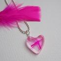 'Jeges pink' lánc, Ékszer, Medál, Nyaklánc, Gyantából készült medál lánccal. Medál: szív forma, fényes, üvegszerű. Lánc: ezüst színű, golyós lán..., Meska