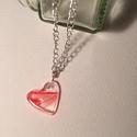 'Red ice' lánc, Ékszer, Medál, Nyaklánc, Gyantából készült medál lánccal. Medál: szív forma, fényes, üvegszerű. Lánc: ezüst szí..., Meska