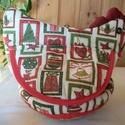 Karácsonyi tyúkanyó 2., Baba-mama-gyerek, Konyhafelszerelés, Kenyértartó, Textilből varrt tyúkanyó felhajtható szárnyakkal, taréjjal és gombszemekkel.  A textil rész egy fo..., Meska