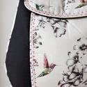 Kolibris - válltáska , Táska, Válltáska, oldaltáska, Erős fekete vászon anyagot, szép virágmintás és kolibris pamutvászonnal kombináltam, amit különleges..., Meska