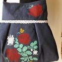 Szines viragok - válltáska, Táska, Válltáska, oldaltáska, Érős farmer anyagot stencil technikával díszítettem, színes virágok kerültek rá.  A táskát pluszban ..., Meska