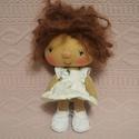 Pöttömke baba, Dekoráció, Játék, Baba, babaház, Játékfigura, A kedves mosolygós kis baba kb 15 cm magas,a szeme,és a szája hímzett, Meska