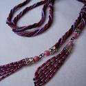 Bíbor-kígyó nyaklánc, Ékszer, Nyaklánc, Cseh kásagyöngyből készült hosszú nyaklánc heringhurka mintával. Hossza 94 cm. A nyaklánc v..., Meska