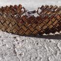 Bronz parkettás karkötő, Ékszer, Karkötő, Japán fél tila gyöngyből és kásagyöngyből készült karkötő. Delfinkapcsos megoldással. H..., Meska