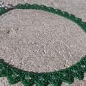 Zöld ukrán leveles gyöngygallér halványzöld teklagyönggyel, Ékszer, Nyaklánc, Cseh kásagyöngyből készült ukrán leveles gyöngygallér. Szélessége: 1 cm Hosszúsága: 37,5..., Meska