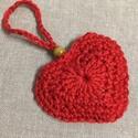 Horgolt piros szív függeszthető , Dekoráció, Anyák napja, Catania fonalból készített piros horgolt szív dekoráció, függeszthető. Dupla szív elem öss..., Meska