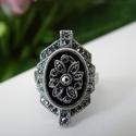 Antikolt gyűrű, Ékszer, óra, Gyűrű, Ékszerkészítés, Elegáns antikolt ezüst színével ez a virágot formázó gyűrű kitűnő kiegészítője bármilyen öltözéknek..., Meska