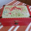 Pipacsos doboz, Kívül-belül sötétpiros színűre pácoltam ez...