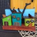 Könyvtámasz három házzal, Baba-mama-gyerek, Dekoráció, Otthon, lakberendezés, Konyhafelszerelés, Famegmunkálás, Festett tárgyak, Fa alapokat lefestettem, majd ráragasztottam festett házikókat, faágakat, fakockákat s remélem másn..., Meska