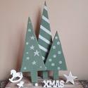 """""""Karácsonyi fenyők"""" mesebeli dekor , Dekoráció, Ünnepi dekoráció, Karácsonyi, adventi apróságok, Karácsonyi dekoráció, Fa deszkalap az alapja az akrillal festett fenyőknek, amit néhány apró kiegészítővel egészí..., Meska"""