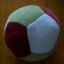 Baba plüss labda, Baba-mama-gyerek, Játék, Baba játék, Varrás, Babaplüssből készült, 4 színű labda. Mosható, a baba nyugodtan a szájába veheti, egész pici kortól ..., Meska