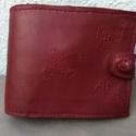 juhbőr pénztárca , Táska, Pénztárca, tok, tárca, juhbőr pénztárca  9x12 cm  bélelve, bőrgombbal, nyelvvel záródik egyedi monogrammal, mintáva..., Meska