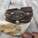Női marhabőr karkötő antik bronz madárkás köztessel, Ékszer, Karkötő, 5 mm széles, sötétbarna, lapos, valódi bőrből készült karkötő antik bronz madárkás összekötővel és b..., Meska