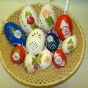 Húsvéti tojás kosár, Dekoráció, Húsvéti díszek, Mindenmás, Ünnepi dekoráció, Mindenmás, A csomag tartalmaz 6 db kifúj és díszített tyúktojást, 2 db festett libatojást, 2 db áttört, szalag..., Meska