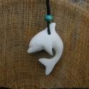 delfin medál, Ékszer, óra, Nyaklánc, Medál,  Csontból készült medál.  Méret: 3cm, Meska