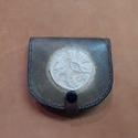 Patkó pénztárca, Táska, Férfiaknak, Pénztárca, tok, tárca, Pénztárca, Bőrművesség, 2 - 2.5mm vastag marha bőrből leather carving (bőrvésés) technikával készült pénztárca. Mérete: 10c..., Meska