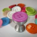 Gomb fogantyú! - lila, Otthon, lakberendezés, Dekoráció, Bútor, Fogantyú, Egyedi tervezésű akril design fogantyú.  Alapja egyedi tervezésű alumínium, amire akril gombot..., Meska