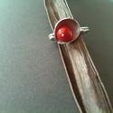 csipkebogyó piros szirom gyűrű, Ékszer, Gyűrű, Tűzpiros korall díszíti ezt a szirom díszes, három sorosban körbefutó huzallal kialakított ezüst gyű..., Meska