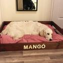 Egyedi kutyaágy, fa kisállat ágy, Állatfelszerelések, Kutyafelszerelés, Famegmunkálás, Elkészítem álmaid és kutyád álmai ágyikóját új, gyalult fenyő faanyagból. Rusztikus stílusban, az á..., Meska
