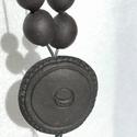 Nap/hold kerámia nyaklánc, Ékszer, óra, Nyaklánc, Kézzel készült egyedi, mázatlan fekete kerámia nyaklánc faragott motívummal.  Munkáimhoz a n..., Meska