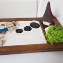 Zen kert 3 - híddal, házikóval, Mini Zen kert, amit egy 18 x 13 cm-es natúr képk...