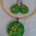 Fülbevaló-nyaklánc garnitúra, Ékszer, Ékszerszett,  A nyaklánc   alapja 5 cm-es fa medál. melyet különleges technikával festettem sárga-zöld-ara..., Meska