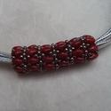 Piros-ezüst nyaklánc 4soros műbőr szalagon, Ékszer, Nyaklánc, Egy szép ékszer ősszel-télen is vonzza a tekinteteket, feldobja öltözékünket! Aprólékos mu..., Meska