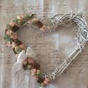 Vintage szív, Mindenmás, Otthon, lakberendezés, Mindenmás, Virágkötés, Fehérre festett vessző szív alapnak a felére került dekoráció. Izlandi zuzmót,száraz virágot,apró s..., Meska