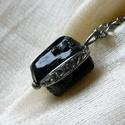 Fekete turmalin  medál, Ékszer, Férfiaknak, Medál, Ékszer, kiegészítő, Ékszerkészítés, Fémmegmunkálás, Saját tervezésű egyedi kézműves alkotás.  A medál Tiffany technikával készült turmalin és ólommente..., Meska