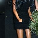 Kisestélyi Barbie ruha, Játék, Baba játék, Pamut fonalból horgolt rövid Barbie ruha, szempilla-fonal dísszel., Meska