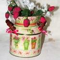 Üde, tavaszi, virágmintákkal dekorált fémkanna !, Dekoráció, Otthon, lakberendezés, Kaspó, virágtartó, váza, korsó, cserép, Dísz, Decoupage, szalvétatechnika, Üde, tavaszi, virágmintákkal dekorált fémkanna! Magassága 14cm, szélessége fülekkel együtt 14cm, át..., Meska