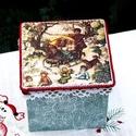 Karácsonyi hangulatú dobozka., Otthon, lakberendezés, Dekoráció, Tárolóeszköz, Doboz, Decoupage, transzfer és szalvétatechnika, Karácsonyi hangulatú dobozka. Szaloncukrot, mézeskalácsot, apró ajándékokat tehetsz bele ! Szélessé..., Meska