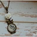 Vintage Owl, Ékszer, Nyaklánc, Vintage hangulatú medált készítettem,kis műgyanta rózsával.Egyszerű,bájos  A lánc hossza 5..., Meska