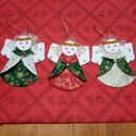 Textil angyalka, karácsonyi dísz, ajándék kísérő, Karácsony & Mikulás, Karácsonyfadísz, Varrás, Ezek a csillag szemű angyalkák karácsonyi mintás pamut vászonból készültek, a szárnyaik is. Hajacsk..., Meska