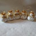 Csillagszemű angyalkák, fenyőfadísz, ajándék, ajándék kísérő, Karácsony & Mikulás, Karácsonyfadísz, Varrás, Ezek a kis angyalkák, aranymintás textilből készültek, hímzett gallérral. Testük 6.5-7 cm magas, 4,..., Meska