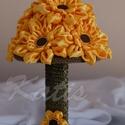 Napraszép, Esküvő, Esküvői csokor, Varrás, Virágkötés, Szaténból készült napraforgócsokor. 27 cm magas csokor  20 cm. széles virgággömbbel. Rendelésre kés..., Meska