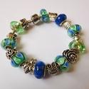 Kékben-zöldben - Pandora stílusú karkötő, Ékszer, Karkötő, Igazi nőies darab a Pandora stílusú karkötők szerelmeseinek! Gyönyörű muránói és csiszolt üveggyöngy..., Meska